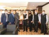 Antalya İl Jandarma Komutanlığı'na '2020 yılının Kurumsal Kan Bağışçısı Altın Ödülü'