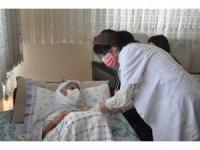 Şırnak'ta 90 yaş ve üzeri vatandaşlar için evde aşı yapılmasına başlandı
