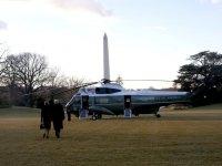 Ve bir dönemin sonu geldi!  Trump Beyaz Saray'dan son kez çıktı!