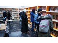 Pandemi kısıtlamaları kitap okuma oranını arttırdı