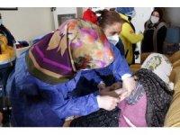 Yozgat'ta 90 yaş üstü vatandaşlar evlerinde aşılanmaya başladı