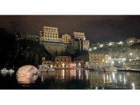 İtalya'da 70 ton ağırlığında ölü balina bulundu