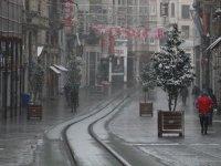Meteoroloji paylaştı: İstanbul'a karla karışık yağmur geliyor