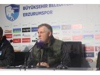 """Mesut Bakkal: """"Kazanamadığımız için üzgünüm ama bir puan önemli"""""""
