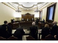 Vatikan Bankası'nın eski Başkanı Caloia'ya kara para aklamaktan 8 yıl 11 ay hapis cezası