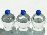 """""""Plastik şişeler kansere davetiye çıkarıyor"""""""