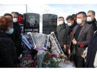 Kamer Genç mezarı başında anıldı