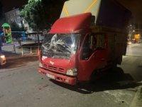 Sultangazi'de iki kamyonet çarpıştı: 1 yaralı