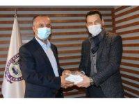 Çankaya'dan minibüsçülere maske desteği