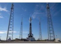 SpaceX'in uzaya tek seferde 143 uydu gönderme görevi ertelendi