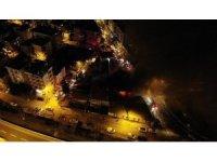 Maltepe'de hurdalık alanda çıkan yangın havadan görüntülendi