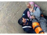 Kuyuya düşen vatandaşı itfaiye ekipleri kurtardı