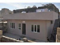 Mardin'de büyük dayanışma örneği: Evi yanan aileye yeni ev yaptılar