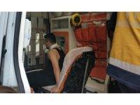 Kavga sırasında kardeşinin attığı cam parçasıyla boynundan yaralandı