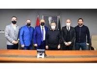 Ahmet Nur Çebi, Senica Kulübü yöneticilerini ağırladı