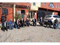 Aksoy kırsalda vatandaşlarla bir araya gelmeye devam ediyor