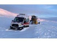 Büyükşehir'in kar timleri kırsalda da iş başında