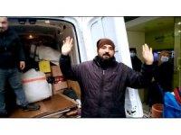 Yağmura yakalanan pazarcılar, kapalı alan istiyor