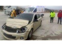 Otomobil akaryakıt tankerine çarptı: 1 yaralı