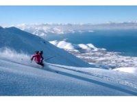 Adrenalin tutkunlarının yeni adresi: Van Gölü Havzası