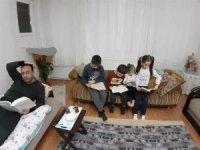 Kahta'daki öğrencilerden kitap okuma etkinliği