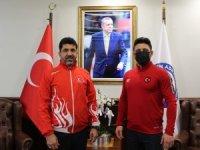 ADÜ'lü milli güreşçi Arslan, Rektör Aldemir ile görüştü