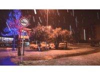 Sarıyer'de gece saatlerinde başlayan kar yağışı etkisini göstermeye başladı