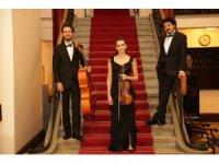 """Süreyya Operası beste yarışmasının kazananları """"Piyanolu Üçlüler"""" albümünde bir araya geldi"""