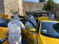 Fatih'te taksi ve taksi durakları korona virüse karşı dezenfekte ediliyor