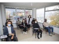Mersin Büyükşehir Belediyesinin kurs merkezlerinde yüz yüze eğitim başladı