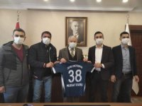 Develi Erciyesspor'dan Kaymakam Duru'ya ziyaret