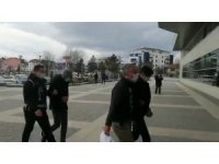 Bolu'da, 17 gram esrarla yakalanan 2 kişi adliyeye sevk edildi
