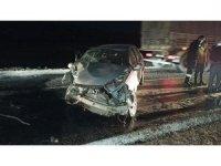Otomobil ile tanker kafa kafaya çarpıştı: 2 yaralı