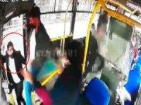 Tek HES kodu ile binmek için direttikleri otobüsün sürücüsünü darp ettiler