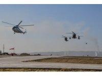 Kosova'da NATO Barış Gücü'nden helikopter tatbikatı