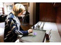 Ebru sanatçısının Ankara'dan İstanbul'a 7 yıl süren sanat yolculuğu