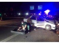 Otomobil direğe çarptı: 3 Yaralı