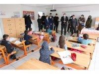 Başkan Sandıkçı öğrencilerin sevincine ortak oldu