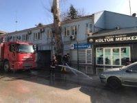Osmanıck belediyesi kısıtlamada sokakları yıkadı