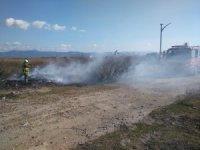Burhaniye'de tatil sitesindeki çöplük yangını korkuttu
