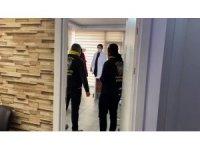 Kaçak muayenehaneye polis baskını