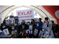 CHP lideri Kılıçdaroğlu gelmedi, kardeşi Celal Kılıçdaroğlu evlat nöbetindeki aileleri ziyaret etti