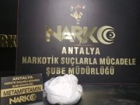Antalya'ya otobüsle 1 kilo metamfetamin getiren şahıs tutuklandı