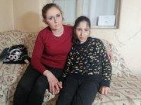Serebral palsi hastası Makbule akülü sandalyesi bozulunca eve hapsoldu