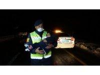 Muş'ta tipide aracı arıza veren 5 kişilik ailenin yardımına Mehmetçik koştu