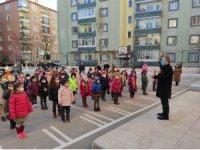 Okullar öğrenci cıvıltılarıyla derslerine başladı