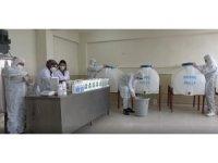 Erciş'teki öğrenciler 110 ton dezenfektan üreterek 2 milyon lira ciro yaptı