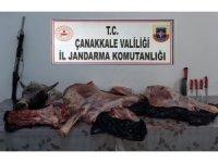 Çanakkale'de tüfekle vurdukları hayvanı çalan şahıslara suçüstü