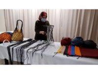 Kadınların el emeği göz nuru ürettiği deri çantalar satışa çıkıyor