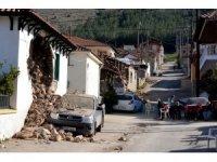 Yunanistan'da artçı sarsıntılar devam ediyor